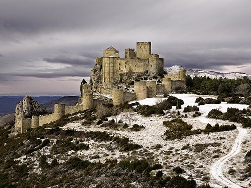 The evocative Castillo de Loarre (Huesca, #Spain) broods above the southern plains across which Islamic raiders once rode. Raised in the 11th century by Sancho III of Navarra and Sancho Ramírez of Aragón, its resemblance to a crusader castle has considerable resonance with those times. It starred in the film Kingdom of Heaven (though the film is set in 12th-century France) . There's a labyrinth of dungeons, tunnels and two towers offering magnificent views.