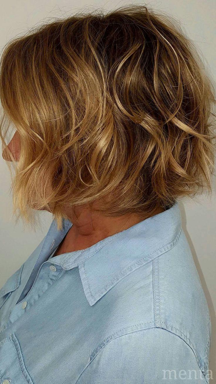 Hoy Anabel quería un look distinto 😁.. un efecto despeinado🌬 ... un rubio natural 🌞... y un bob crecido🎈 #balayage #zaragoza #bloggerzaragoza
