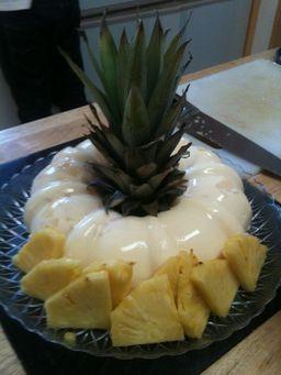 Gelatina de pina con queso crema