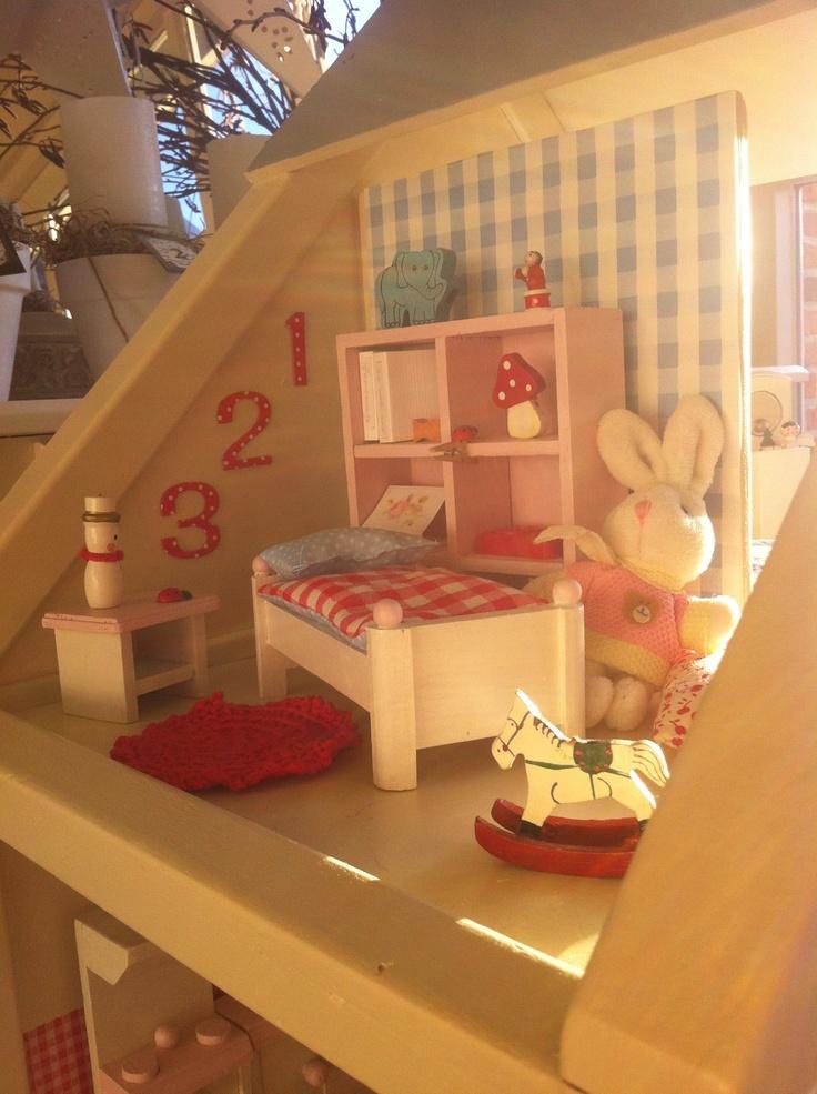 Kinderkamer in poppenhuis