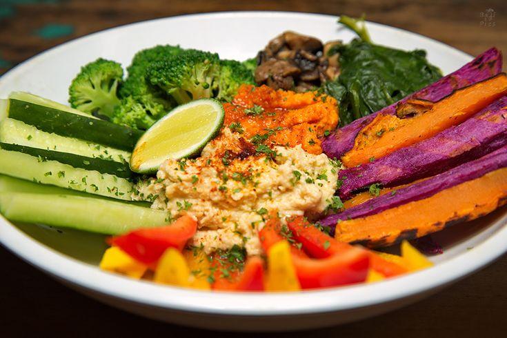 Vegan food - brocoli, humus, mushrooms and red pepper #VeganFood
