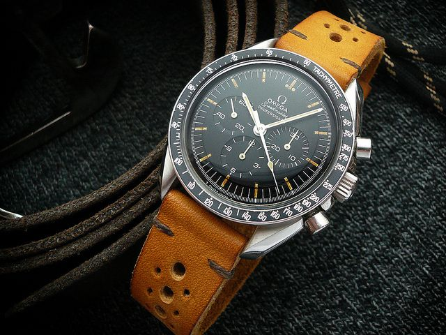 BRACELETS HEUERVILLE, DU COUSU MAIN 'MADE IN ENGLAND' POUR VOS CHRONOGRAPHES Omega Speedmaster Pro 145.022 – 69, Cal 861.