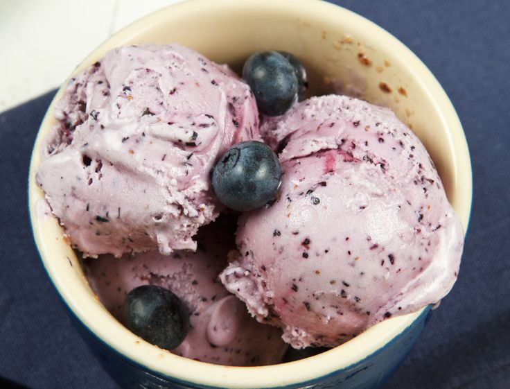 blueberry cheesecake gelato so easy to make and so delicious!