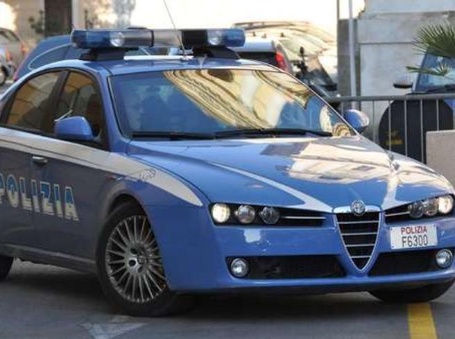 Sperona il rivale in amore e lo prende a pugni - http://www.sostenitori.info/sperona-rivale-amore-lo-prende-pugni/262954