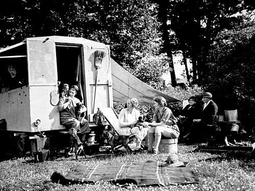"Emily Carr's trailer ""the Elephant""and friends, including Dorothy Morley and Joyce Maynard, 1933"