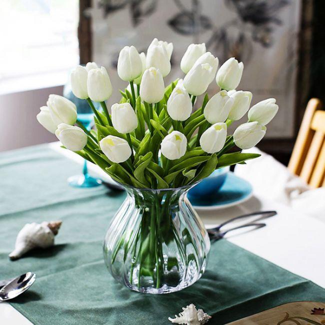 10 kusů krásných umělých bílých tulipánů - luxusní dekorace 196 Kč nebo 7.45 Eur - SLEVA 60% A POŠTA ZDARMA http://dovezemelevne.cz/katalog/10-kusu-krasnych-umelych-bilych-tulipanu-luxusni-dekorace-sleva-60-a-posta-zdarma-23786.html?utm_content=buffer8c5f5&utm_medium=social&utm_source=pinterest.com&utm_campaign=buffer #tulpany #dekorace #kvetiny #sleva #postovne_zdarma