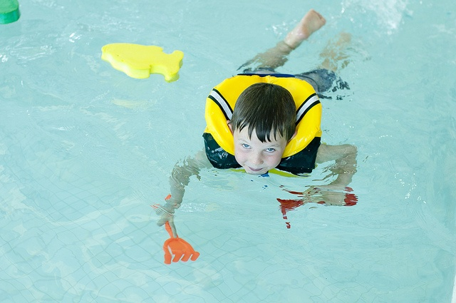 The Wasaga Beach YMCA hosts swimming lessons for kids.