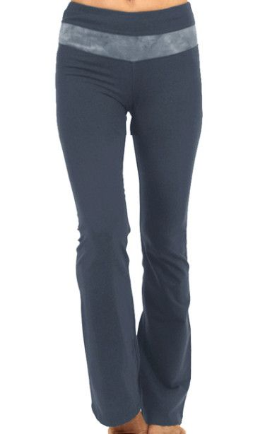 Flat Waist Inset Pant- Purely comfortable and made of pure eco-friendly fabric. Win-win #earthyoga www.earthyogaclothing.com