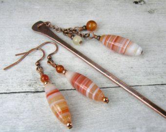 Cobre y palillo del pelo de piedra y pendientes, palillo del pelo de cobre oxidado y pendientes de piedra que emparejan