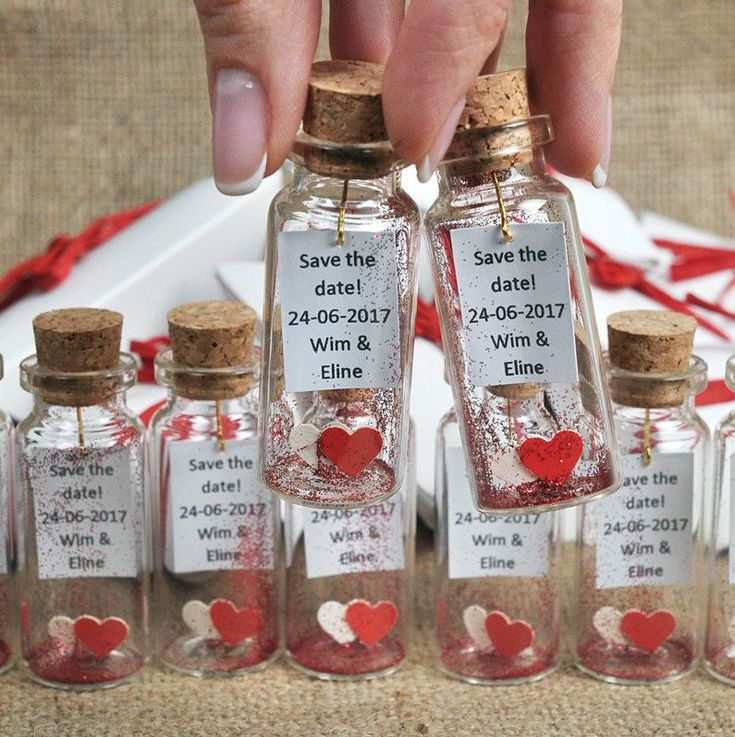 Unique wedding favors, Mr and Mrs, wedding party gifts for guests, Red and White, Save the date, wedding Invitation