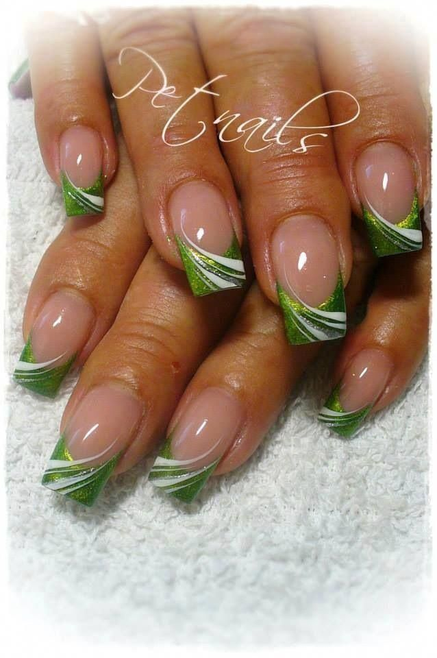 Vert Grun Vert Greennails In 2020 Green Nails Creative Nails