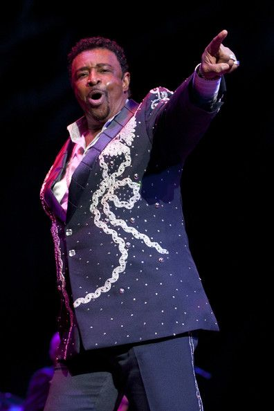Dennis Edwards (February 3, 1943) American singer known from the groups Temptations and The Contours.
