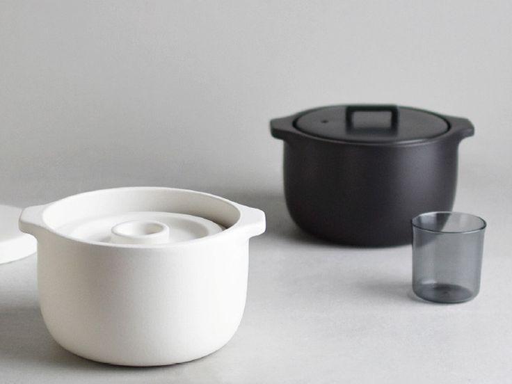 Kinto KAKOMI 系列土鍋不同於傳統土鍋,除了可以使用瓦斯、黑晶爐,還可以用IH爐加熱,讓使用的場域不受器材限制,隨時隨地都可以享受使用土鍋烹飪的樂趣。