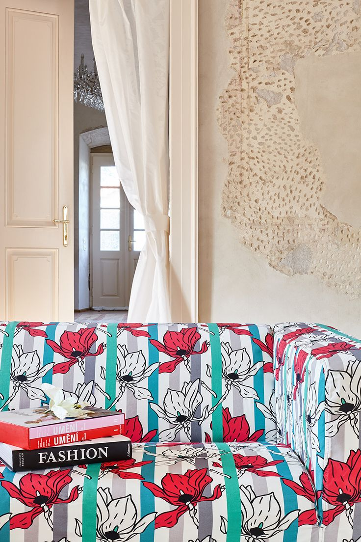ARTEFLY Ikea Klippan cover STRIPES - interior styling / play of stripes and a floral motif in a luxurious chateau interior