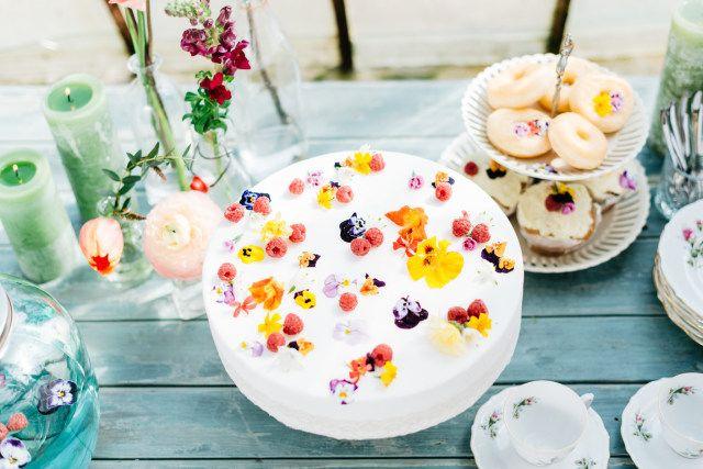 Credit: Mariska Staal Fotografie - geen persoon, tabel (meubels), eten, crème, traditioneel, taart, ornament, tafelsuiker, nagerecht, heerlijk, bloem (plant), zelf gemaakt