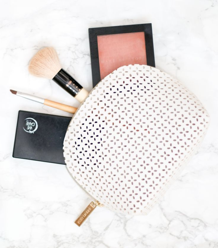My daily make-up favourites now on the blog   Make up / beauty / products / foundation / beauty blender / lumene / bronzer / blush /