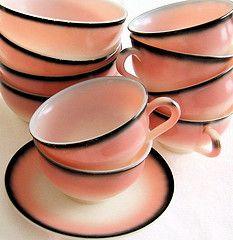 coral ombre teacups: Bathroom Design, Pink Flamingos, Teas Cups, Black Bathroom, Vintage Pink, Vintage Cups, Vintage Pyrex, Teas Sets, Pink Black
