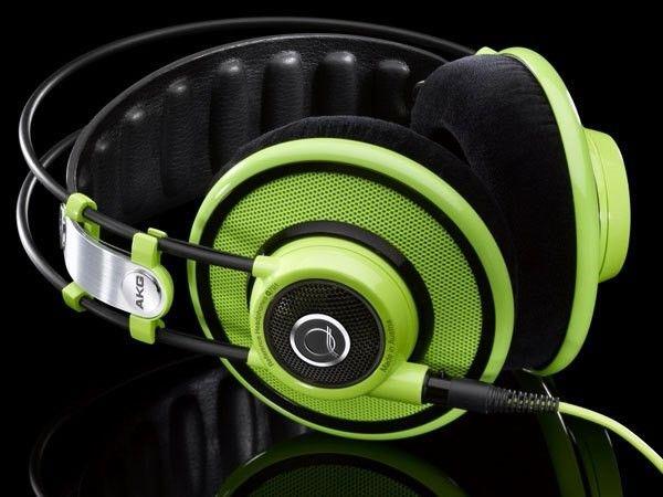 AKG Q701 (Green)