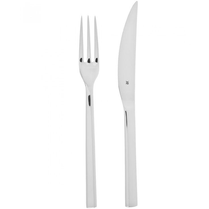 Set WMF de tenedor y cuchillo elaborado en acero inoxidable Cromargan 18/10 con acabado espejo y logo grabado.
