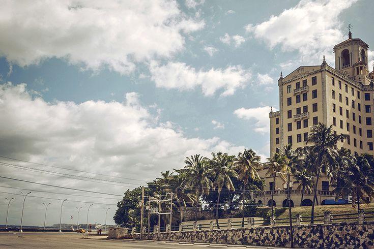 El Hotel Nacional, junto al Malecón, es un monumento en sí mismo. Sus paredes…