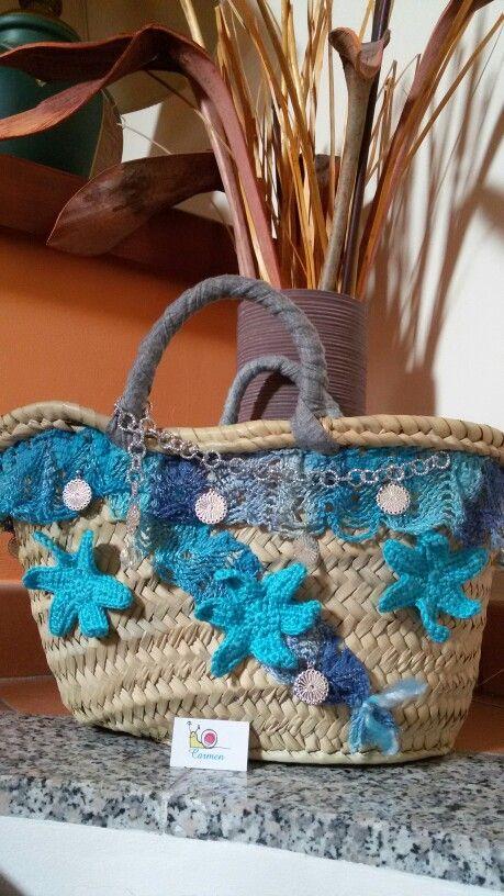Coffa artigianale realizzata con stelle all'uncinetto e voilà in cotone con…