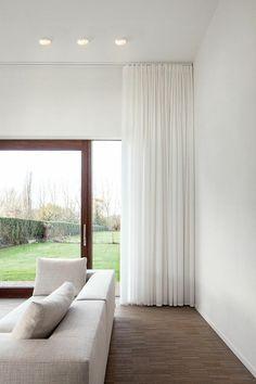un joli voilage leroy merlin de couleur blanche pour le salon moderne