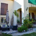 Au calme, jolie maison dans petit hameau, entièrement rénovée, beau séjour, 4 chambres dont une avec terrasse, une SDD, jardinet ..