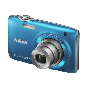 Nikon Coolpix S3100 Digitalkamera (14 Megapixel, 5-fach opt. Zoom, 6,7 cm (2,7 Zoll) Display, HD Video, bildstabilisiert) lagunenblau