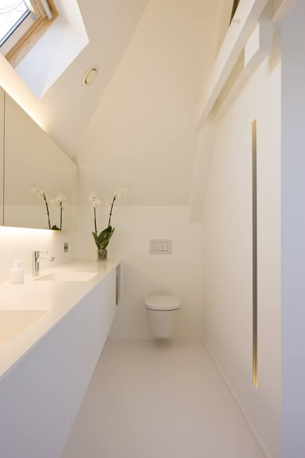 New bathroom in renovated house. The owners only wanted white inside their home... © architect Bart Coenen