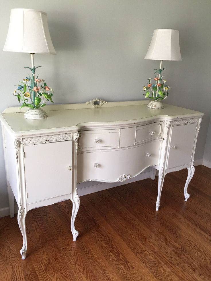 the 25 best shabby chic sideboard ideas on pinterest shabby chic buffet magnolia market. Black Bedroom Furniture Sets. Home Design Ideas