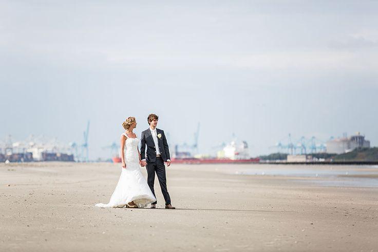 Hoek van Holland, Beach wedding Holland, strand, Zuid-Holland, bruiloft, Naaldwijk, bruidsfotografie, wedding photographer, bruidsreportage, trouwfotografie, bruidsfotograaf | Dario Endara