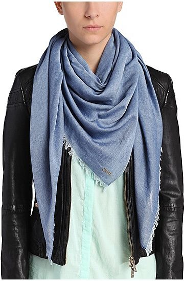 Scarf%20in%20cotton%20blend%20with%20viscose%3A%20%27Nafame%27%2C%20Dark%20Blue