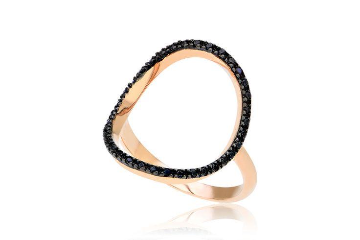Ring With Circle Δαχτυλίδι με μαύρα cz από ροζ χρυσό 9Κ. Price : 200€