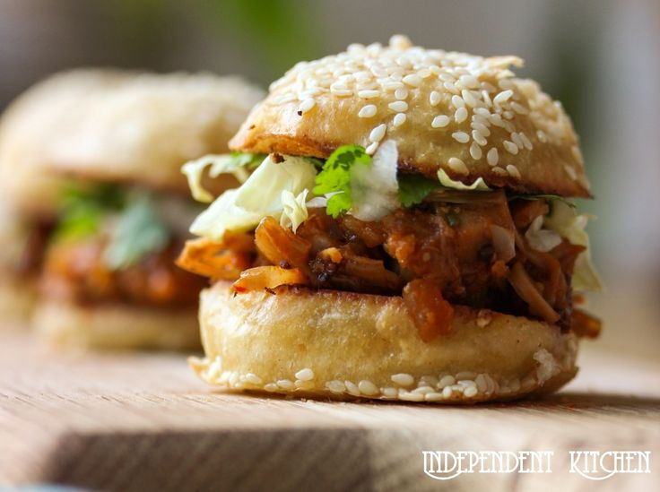 BBQ pulled jackfruit is a classic vegetarian/ vegan alternative to BBQ pulled pork. The unripe fruit has a meaty texture & mild flavour, perfect for sauces.