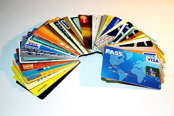 Comparativa de cinco tarjetas de crédito online sin cambiar de banco