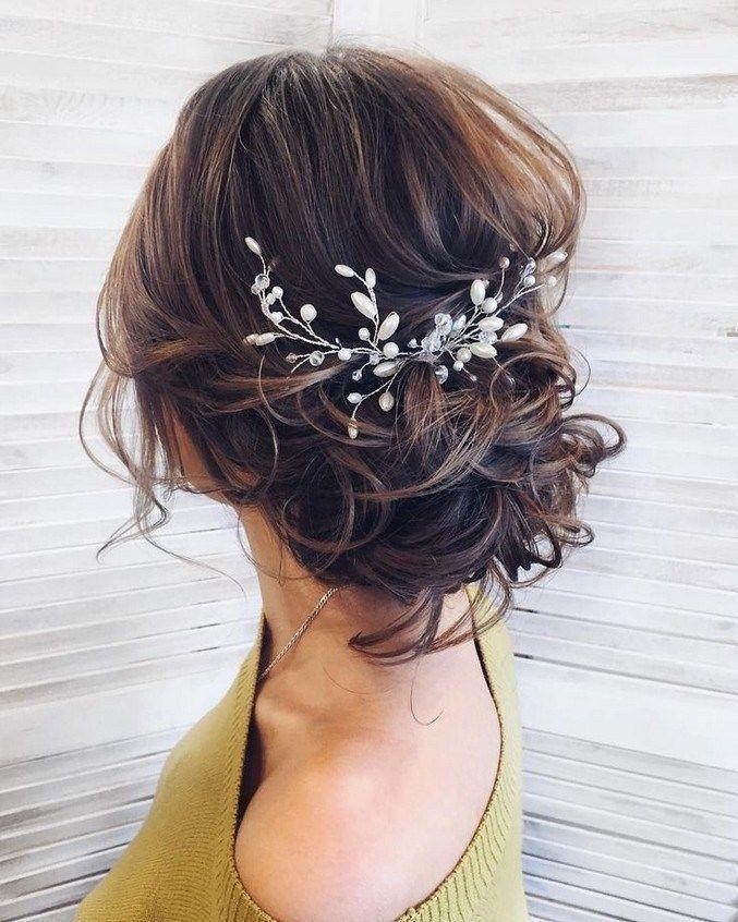 20+ Frisuren mit Haaren #Hochzeitsfrisur #FrisurFr…