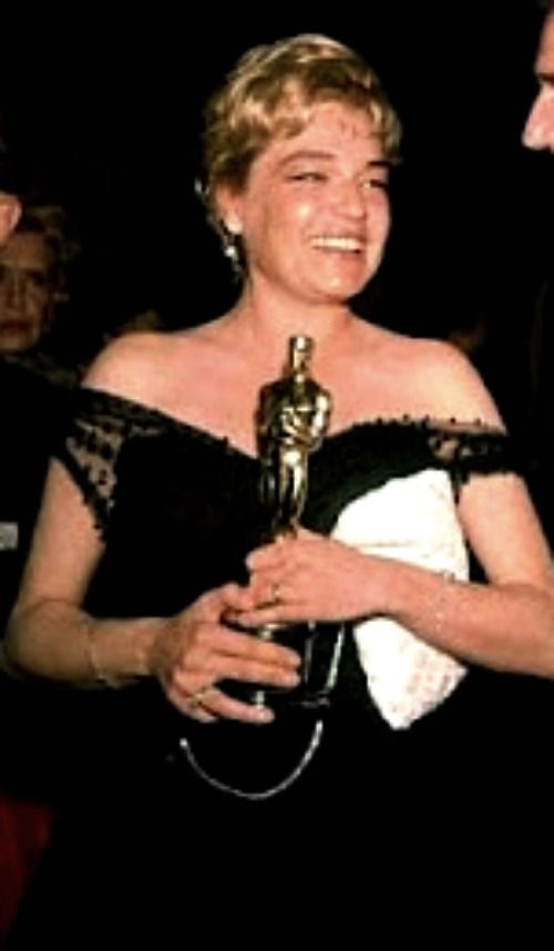"""1959 SIMONE SIGNORET winning her Oscar for her work in the movie  """"Room at the Top"""""""