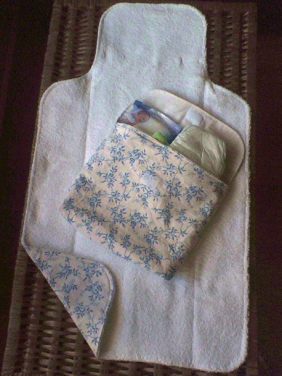 Changing Pad and diaper bag / Muda-Fraldas e bolsa para fraldas ou roupinha