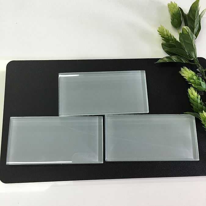 Glass Tile For Sale | Boca Raton Florida USA. Kitchen backsplash tiles for sale, pictures with kitchen colors ideas and videos of each backsplash tile. FL USA www.stoneandquartzsurfaces.com