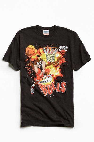 Junk Food Looney Tunes Chicago Bulls Tee   Urban Outfitters