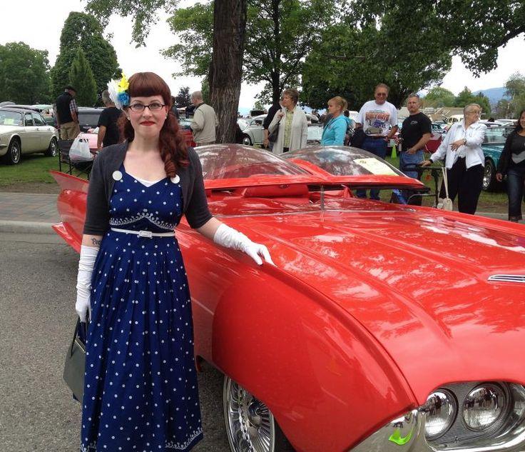 Vintage cars and fun aplenty at the 2013 Peach City Beach Cruise | Chronically Vintage #vintage #1950s #dress #fashion #classic_cars #Penticton