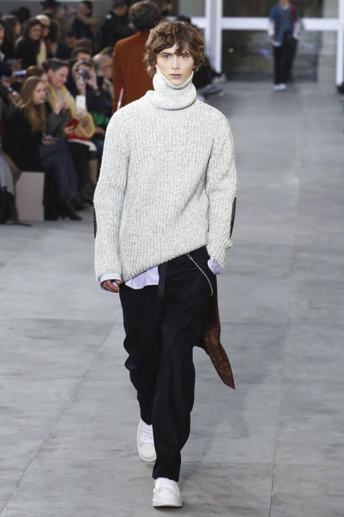 Fall/Winter Louis Vuitton - The runway show which saw the 2017 Fall/Winter Louis Vuitton collection's debut was complemented with a number of Supreme accessories. The ...