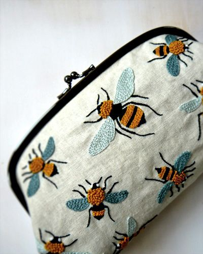 clutch with bee embroidery :: Yumiko Higuchi #bee