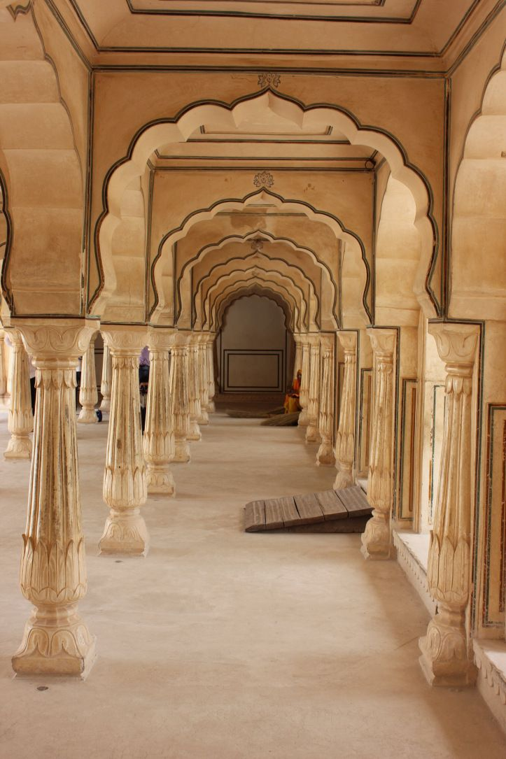 Be mesmerised by India's beauty.  Jaipur's Amber Fort