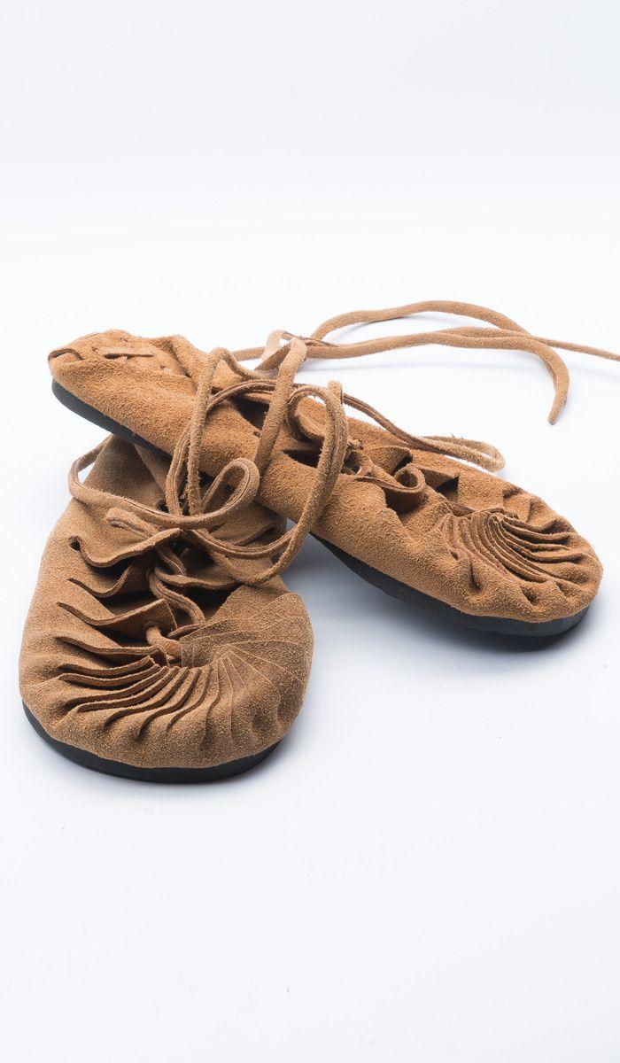 https://indiastyle.ru/women-slippers/product/sandalii-sufij    Индийская обувь - сандалии со шнуровкой (VEG)