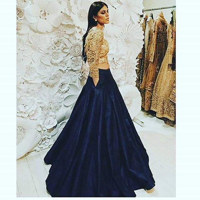 WEBSTA @ designer_rakhiverma - Like ✔ | Share ✔ | Tag ✔ | Invite your friends this Page ✔  https://www.facebook.com/rakhiverma.nandu*****For Immediate response and Price Please Inbox in our page or whatsapp us on  919949184003*****or mail us at enquiry.rakhiverma@gmail.com#sumangali,#lengha , #bridal, # #suits #leng…