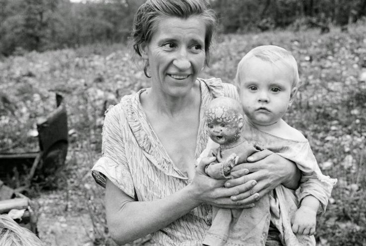 Ben Shahn - Wife and child of sharecropper, Arkansas, 1935