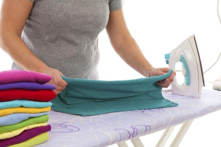 Un video tutorial per dare il definitivo colpo di grazia alle odiose lenzuola con gli angoli e liberare spazio nei nostri cassetti