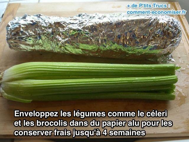 Enveloppez les brocolis et céleri dans du papier alu pour les conserver frais