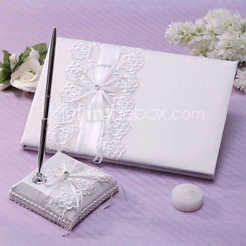 elegant bryllup gjestebok og penn sett med blonder skilt i boken - NOK kr. 201
